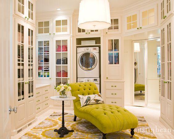Que tal, cuarto de lavado y vestido a la vez?? directo de la ...