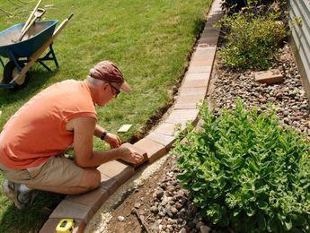 Rasenkante Ideen Mit Steinen Ziegelsteinen Gartengestaltung Rasenkanten Garten Landschaftsbau Garten