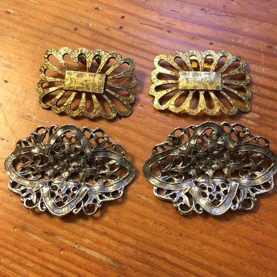Accent Clip On for Pumps. Vintage lot of 2 sets 2 sets of vintage clip-ins for pumps. One silver color and one gold color. Unknown Accessories