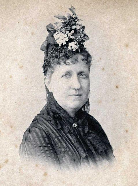 A Princesa Isabel nasceu no palácio de São Cristovão, Rio de Janeiro, em 1846, fruto do casamento do Imperador D. Pedro II e da Imperatriz Tereza Cristina. http://www.fatoscuriososdahistoria.com/2015/11/princesa-isabel-mulher-senadora.html