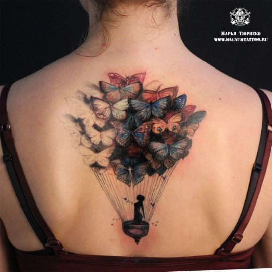 Tatuagem de Borboleta    Costas Balão Feminina