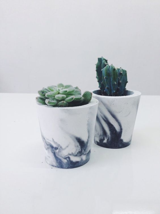 Small black marbled cement pots / planters for cactus, succulents or candles in black/white porcelain concrete - vase: