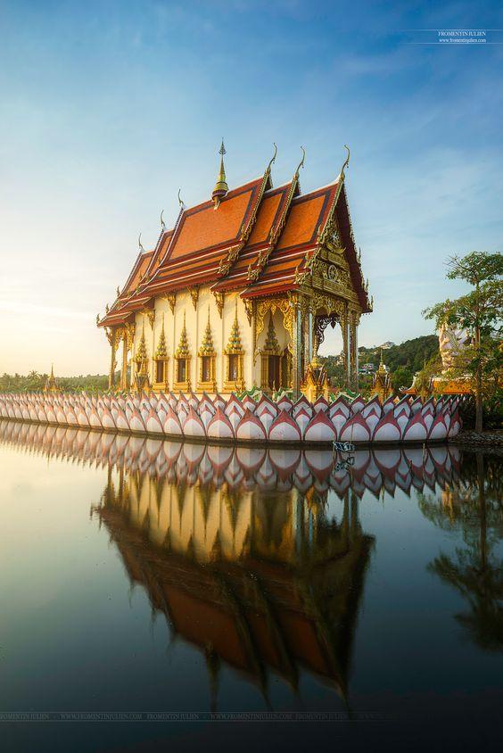 Wat Plai Laem, Koh Samui, Thailand, Asia - Sunrise over the Wat Plai Laem's…