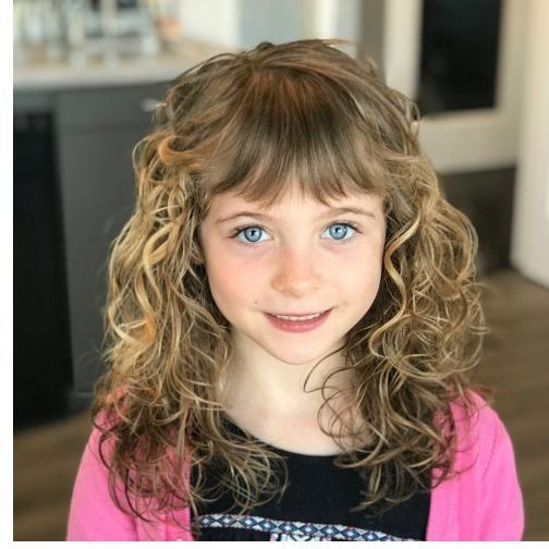21 Easy Hairstyles For Girls With Curly Hair Little Girls Thick Wavy Hair Consdierations Curly Girl Hairstyles Little Girl Curly Hair Hair Styles