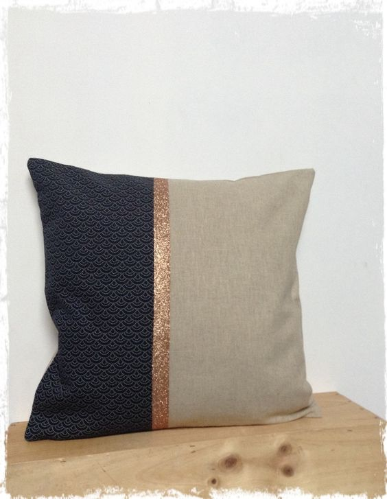 Housse de coussin 40x40 cm en lin ,tissu japonais bleu marine or : Textiles et tapis par lilihouat