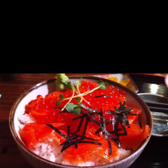 One of my favorite lunch. Salmon row.(^O^)/