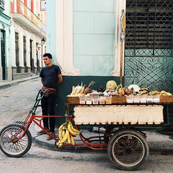 I can honestly say Cuba has *the* best mango ever!  (whispering: ever)  #habanavieja #cubanadventures #AnaDreamsOfCuba