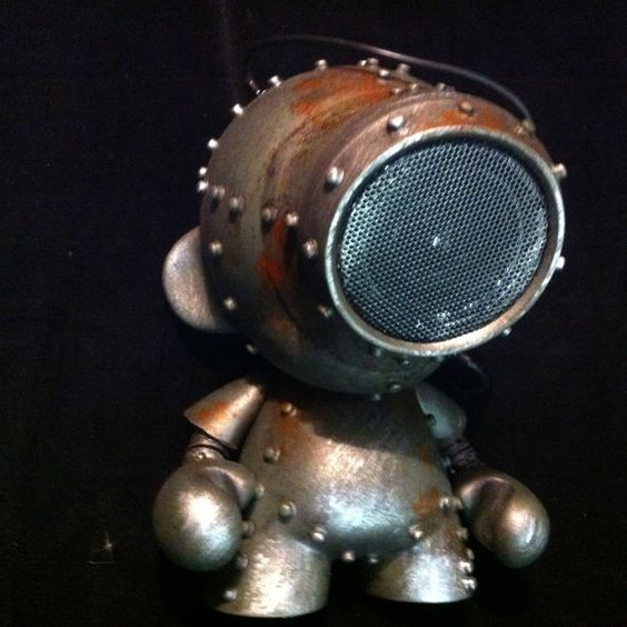 Custom amy green SpeakerBot  Munny Kidrobot Urban Vinyl by kyoob, $150.00