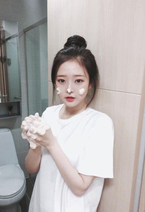 손화민 / Son Hwa Min                                                                                                                                                                                 More