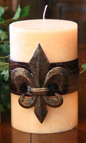 Candle pin. Fleur de Lis are my favorite thing on planet ...
