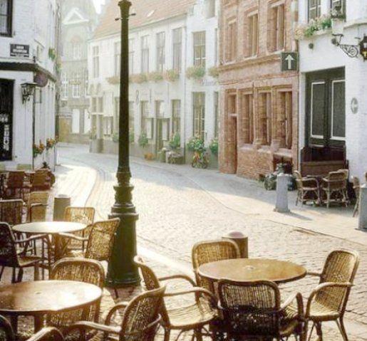 perfect outdoor cafés.