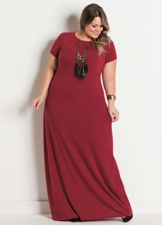 Vestido Longo Plus Size Bordô com Decote Redondo