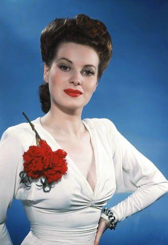 Beautiful Anne Baxter | Vintage Glamour Girls: Maureen O´Hara