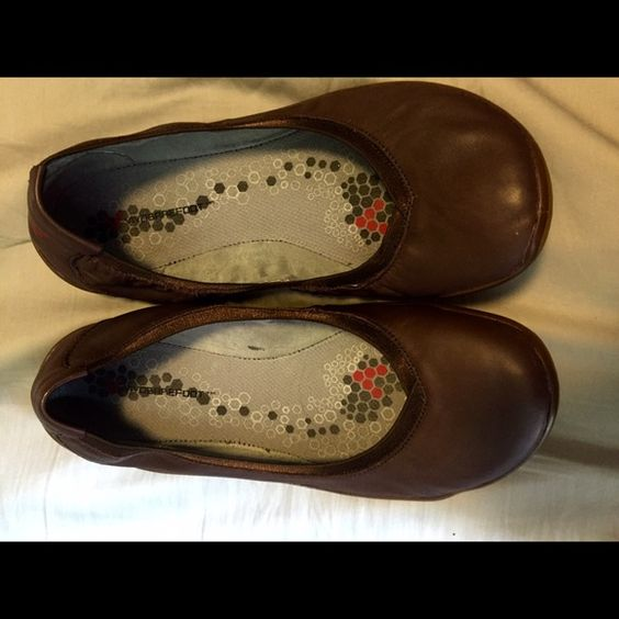 "Vivobarefoot size 8.5, ballet flats- brown leather Vivobarefoot shoes, size 8.5- these brown leather ballet flats are ""barefoot style""- in great shape. Pet free and smoke free home! Vivobarefoot Shoes Flats & Loafers"