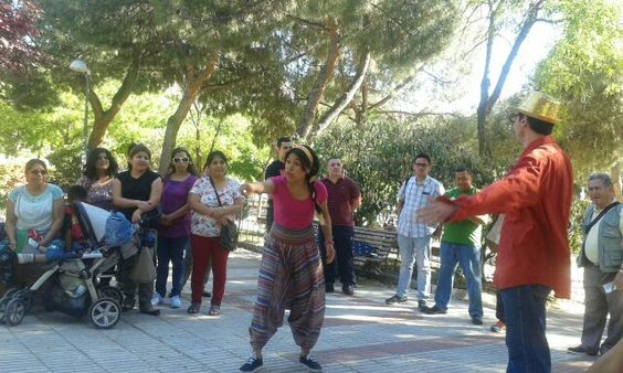 Predicando la palabra a través de dramas en el parque de Pueblo Nuevo