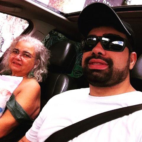 Hoje é dia da pessoa mais importante da minha vida: minha mãe! Não existem palavras para descrever o que ela representa. Parabéns mãe!!  #mae #bday #amor #familia #aniversario by joaofrm