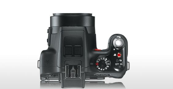 LEICA V- LUX 3 Price Range: $849.00 to $1,104.01 at 3 stores
