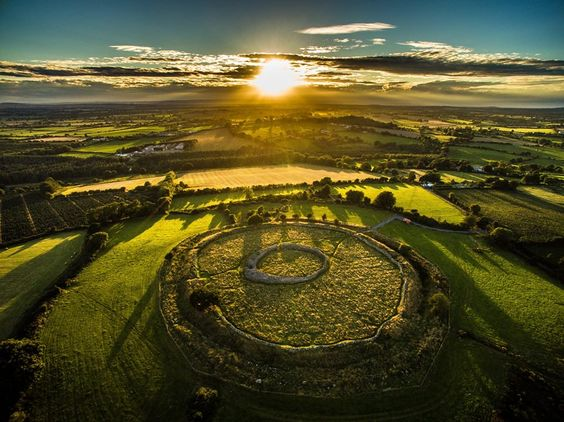 "Irish Archaeology on Twitter: ""Lovely capture of Rathgall Hillfort, Co. Wicklow, thanks to Carlow Weather for sharing https://t.co/p1b8Mz5EwH https://t.co/mPuzJKWvmK"""