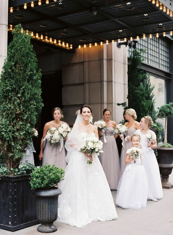 Photography : judy pak Read More on SMP: http://www.stylemepretty.com/new-york-weddings/new-york-city/2016/06/01/this-classic-manhattan-wedding-is-everything/