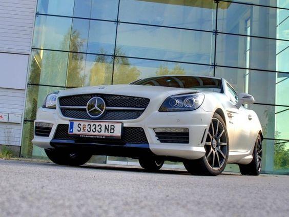 [Mercedes SLK 55 AMG] Die dritte Generation des SLK präsentiert sich sportlich wie nie, allen voran das Topmodell, der SLK 55 AMG, den wir zum Test begrüßen durften. #mercedes #slk #amg #roadster #cabrio