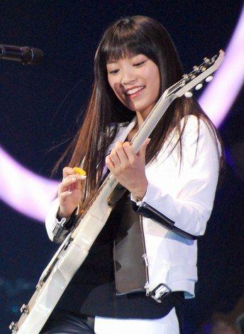 miwaの白いギター