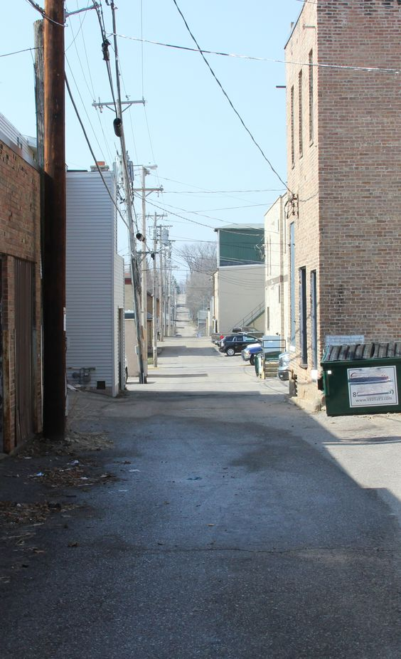 Baraboo Alley 2nd and 3rd street