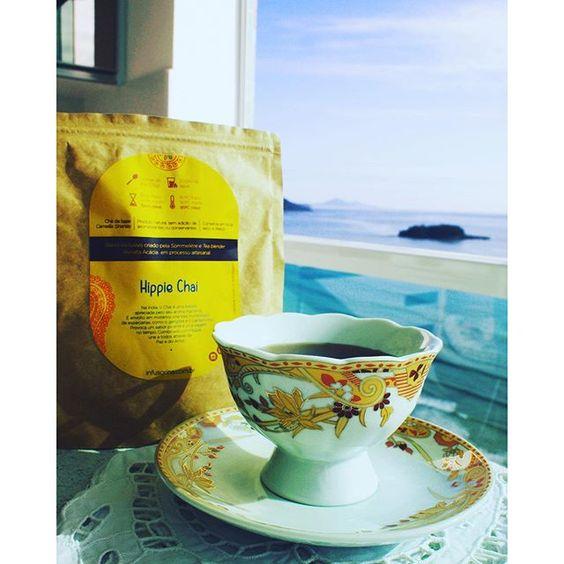 """Amo começar meu dia com uma xícara de chá, ainda mais se for um blend super especial da @infusorina. """"Hippie Chai"""" chá pu-erh, gengibre, goji berry e cardamomo. #diariodocha #teatime #teacup #tealover #ilovetea #instatea #cha #chazinho #horadocha #adorocha #chadodia #momentoinfusorina"""