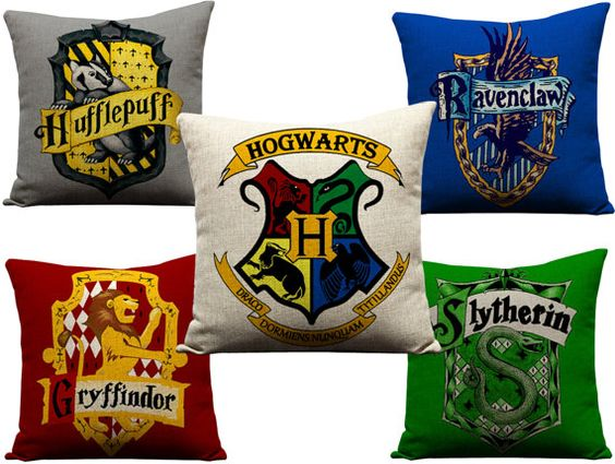 Set of 5 Harry Potter Hogwarts Crest Keep Calm Pillow Gryffindor Slytherin Ravenclaw Hufflepuff Sofa Throw Pillow Case Cushion Covers