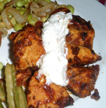 Mexican Chicken Breasts 4 Points Weight Watchers (1¼ ounce) package taco seasoning 16	ounces boneless skinless chicken breasts 1	cup salsa ¼	cup fat free sour cream