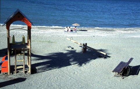 La Caleta Beach - Beaches, Caleta de Vélez (Vélez-Málaga) - Provincia de Málaga y su Costa del Sol. Spend many a summer weekend here. It's even better in the off season.