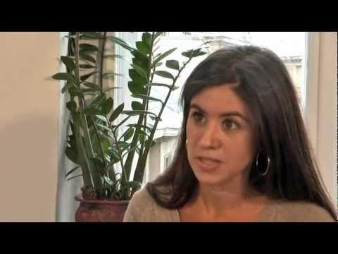 Ostalinda Maya habla sobre los derechos del pueblo gitano.
