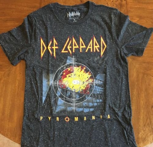 Def Leppard Distressed Logo 80/'s Band Officially Licensed Adult T-Shirt