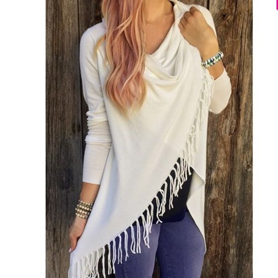 White sweater Nwt Small med large XL Sweaters Shrugs & Ponchos