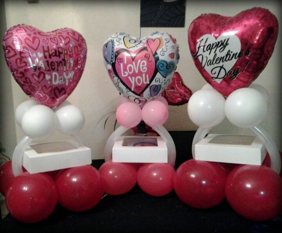 Valentine 39 s day cake and balloons special events for Balloon decoration for valentines day