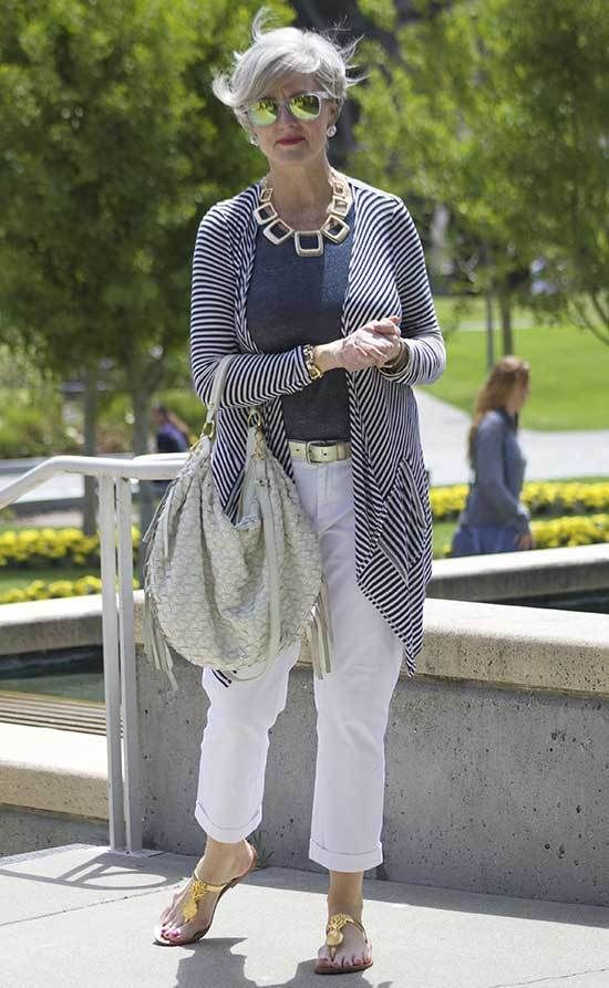 30 Casual Spring And Summer Outfits For 50 Year Old Woman In 2020 Casual Outfits Fashion Fashion Over 50