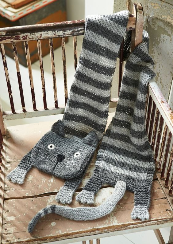 Cat Knitted Scarf Free Pattern: