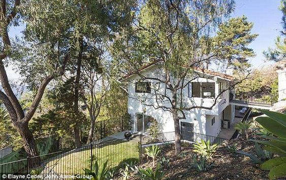 Chris Evans, star of Captain America, has sold his home in the Hollywood Hills for a cool $1,500,000