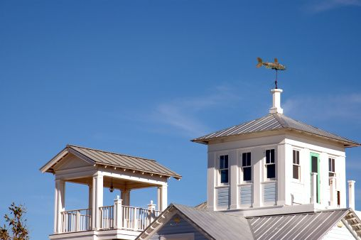 Beach House Rooftop Cupola And Deck On Tin Roof House With Fish Tin Roof House Cupolas House Roof