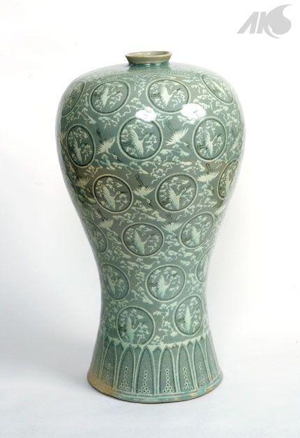 Middle Ages Goryeo Cheongja Sanggam Unhangmun Maebyeong Celadon Vase With Inlaid Crane And