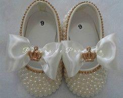 Sapato com Pérolas e Laço