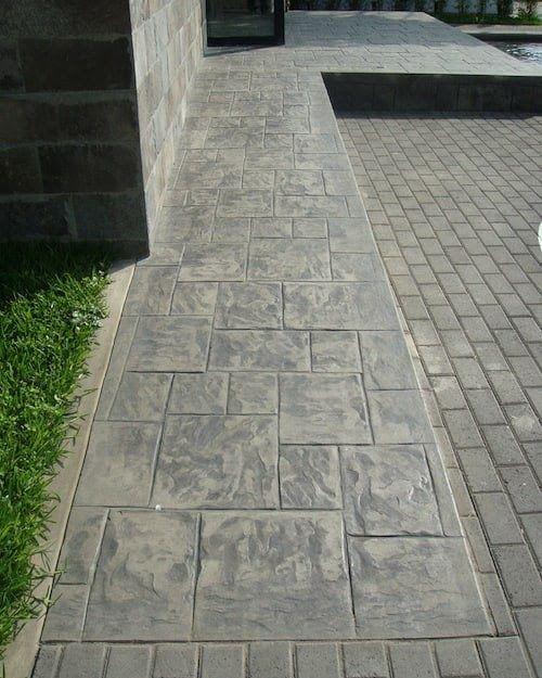 desmoldante en piso de concreto estampado