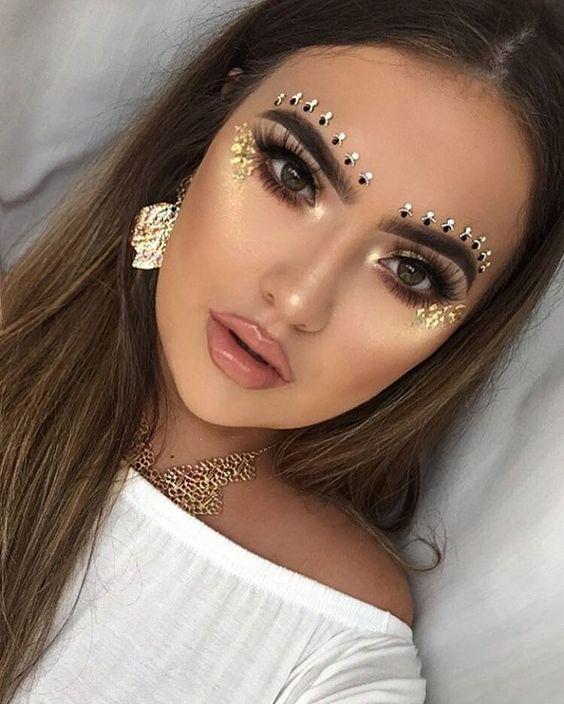Maquiagem para festival>Dourada nada básica!!!