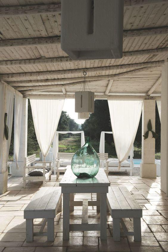 Casa de vacaciones en Puglia (Italia). Esta hermosa casa histórica de vacaciones, está situada en Puglia, Italia, un lugar idílico. Un lugar de ensueño.:
