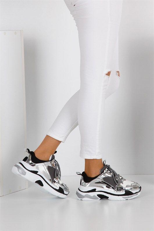 101 Kadin Spor Ayakkabi Gumus Ayna Siyah Gri Kumas Spor Sneaker Moda Fotografciligi