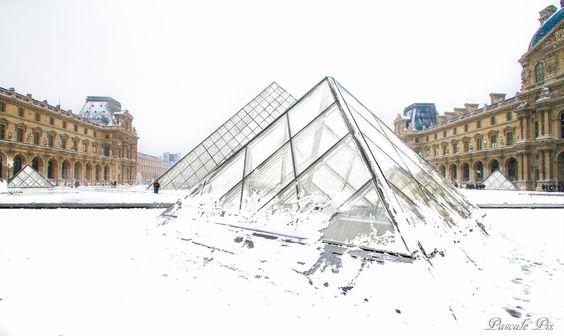 Pyramides enneigées