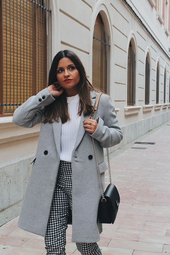 Vichy pants, white sweater, grey coat and militar boots #outfit #look #style #styleinspiration #winter