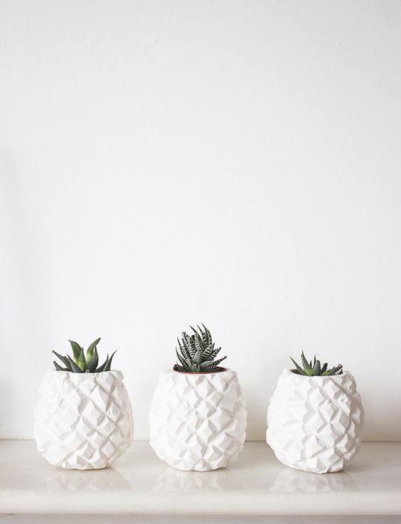 Pineapple Pots. - love these! So simple but so cute. Great for the minimalistic home owner: