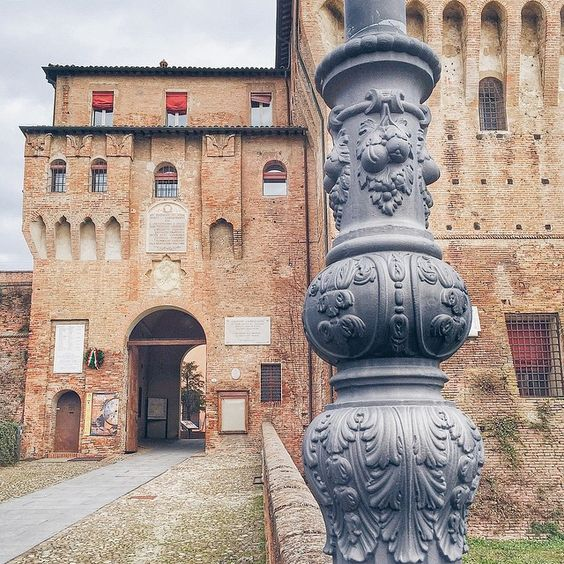 Rocca Estense di Lugo di Romagna - Instagram by fedeccino