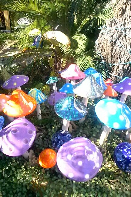 Glass mushrooms in the garden.