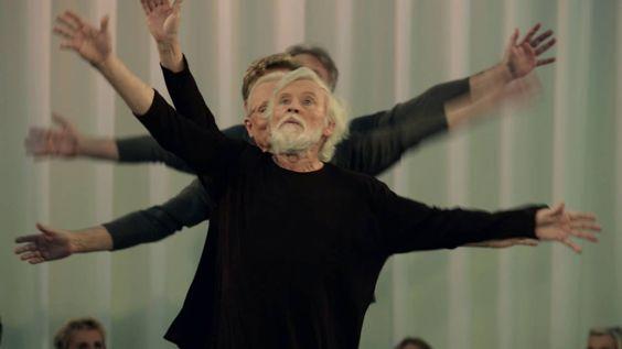 Seniorentanztheater 2016 - Ballett Dortmund  Spielzeit 2015/16 - Seniorentanztheater Dortmund LECHTS & RINKS KANN MAN(N) NICHT VELWECHSERN Uraufführung des Seniorentanztheaters beim Ballett Dortmund Ballettdirektor Xin Peng Wang Lechts und rinks kann man nicht velwechsern werch ein illtum dichtete das öster-reichische Sprachgenie Ernst Jandl. Das poetische Augenzwinkern wird für das Seniorentanztheater in dieser Spielzeit zum Programm. Vom scheinbar Feststehen-den erzählt das neue Stück des…